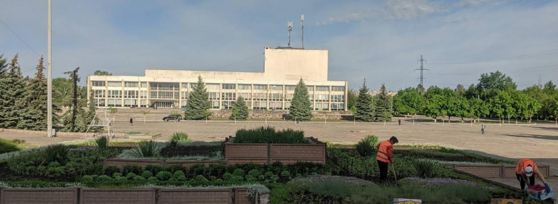В Рубежном озеленители подвели итоги весенних работ (ФОТО)