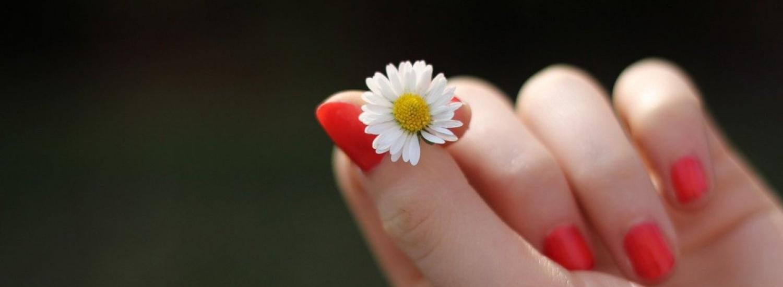 Маєте ламкі нігті: експерти розповіли як укріпити нігтьову пластину в домашніх умовах