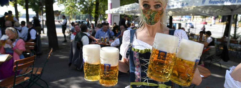 Коронавірус: в Мюнхені скасували свято пива Октоберфест