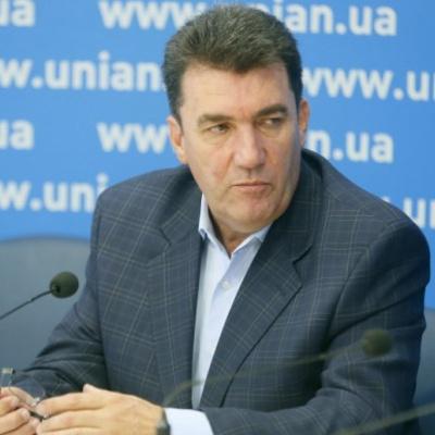 Почему Донбасс отдали «малиновому пиджаку»