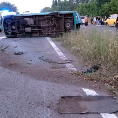 На новій трасі Луганщині два ДТП поспіль, є постраждалі: причина – бездіяльність влади