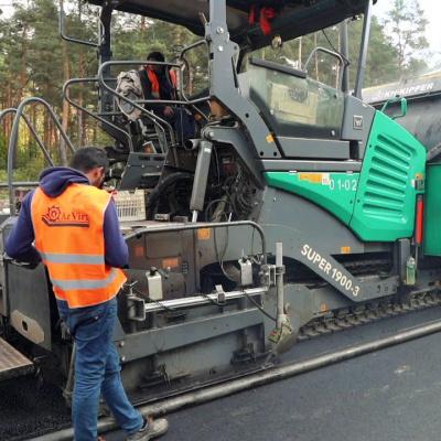 Компанія з однією вантажівкою стала новим фаворитом Укравтодору