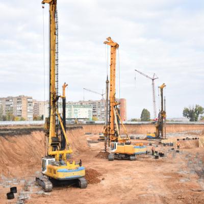 Понад 100 будівельників зводять багатопрофільну обласну лікарню у Краматорську