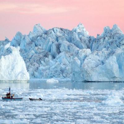 Вчені виявили гігантський водоспад поблизу Гренландії