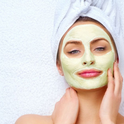 Косметологи розповіли як боротися з ознаками старіння шкіри: рецепти масок