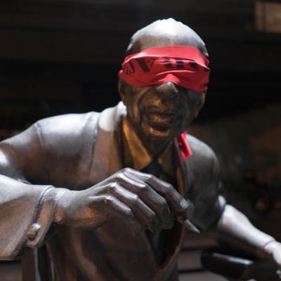 """""""Третя після опівночі"""": столичний музей проводить екскурсії у суцільній темряві"""