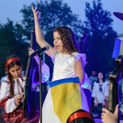 Дар'я Реброва, переселенка з Донецька, стала фіналісткою Нацвідбору на Дитяче Євробачення-2021