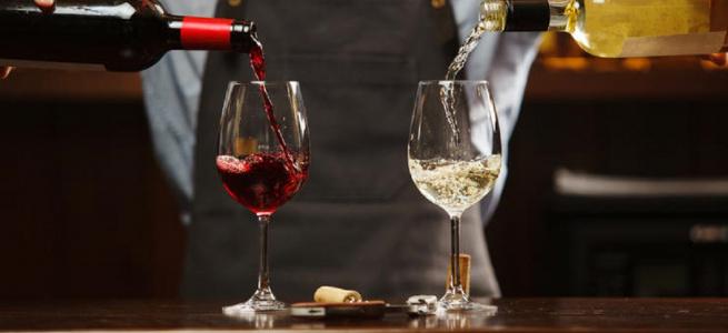12 апетитних закусок до білого та червоного вина