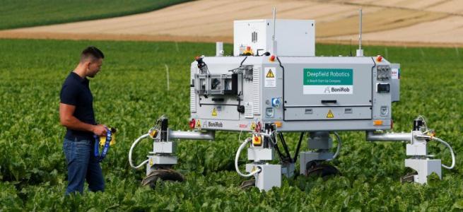 Німеччина тестує аграрного андроїда Bonirob, який може назавжди змінити життя фермерів