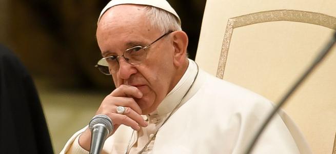 У Папи Римського вкрали 20 млн фунтів стерлінгів