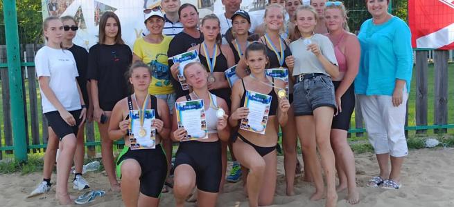 У м. Рубіжне, що на Луганщині, визначили кращих гравців із пляжного волейболу