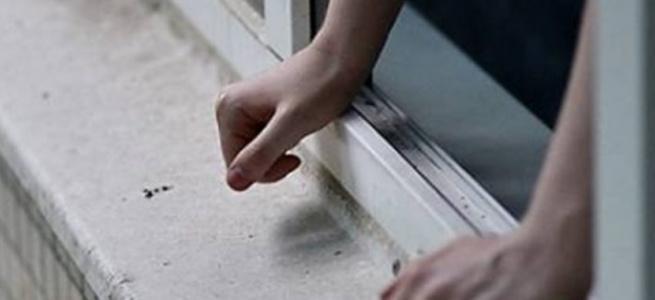 У Вінниці школяр вистрибнув з вікна 8 поверху ймовірно через конфлікт з батьками