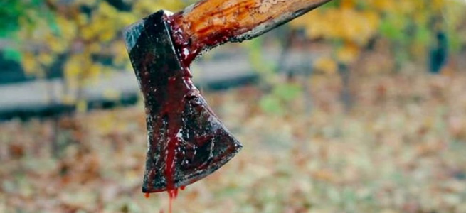 Жорстока розправа на Херсонщині: двох чоловіків на смерть зарубали топором