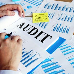 Дніпровські аудитори протягом січня – квітня 2021 року виявили фінансових і матеріальних втрат на суму 393 млн гривень